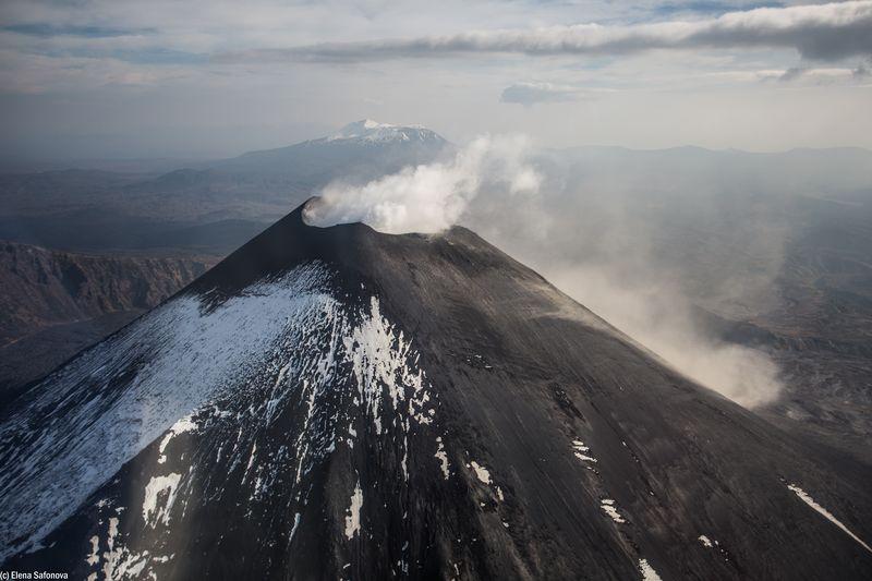Kamtschatka Reise - Karymsky Vulkan Kamtschatka