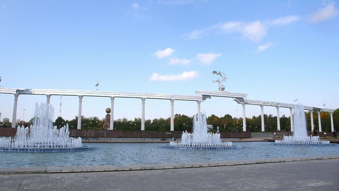 Usbekistan - Unabhängigkeitsplatz (Mustagillik maydoni)